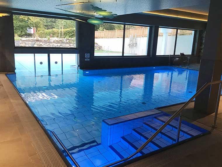"""Schwimmen im Familotel """"Das Bayrischzell"""""""